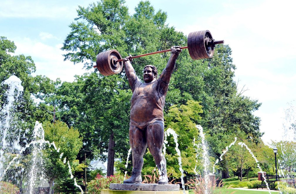 Paul Anderson statue in Toccoa